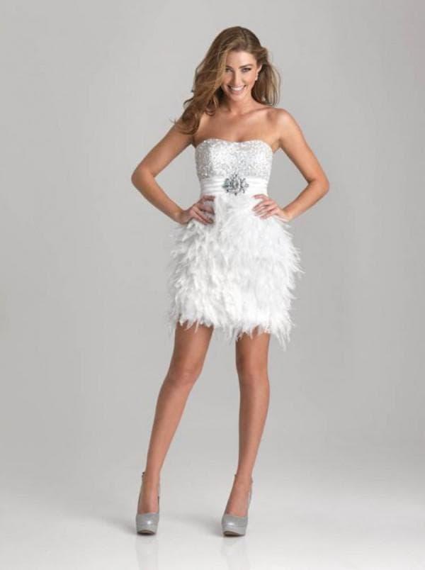 Белое коктейльное платье на последний звонок