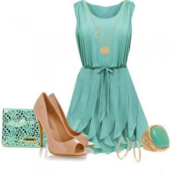 С чем носить голубое коктейльное платье