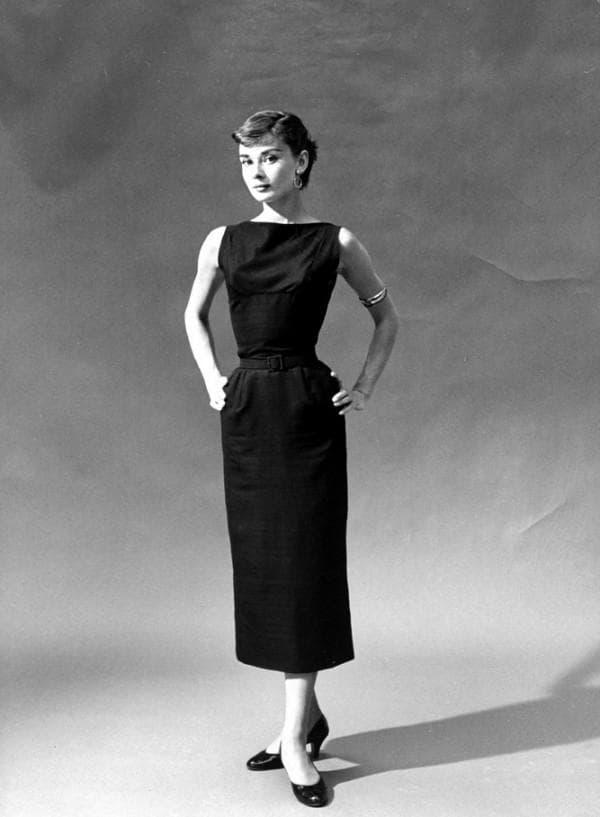 Классическое маленькое черное платье