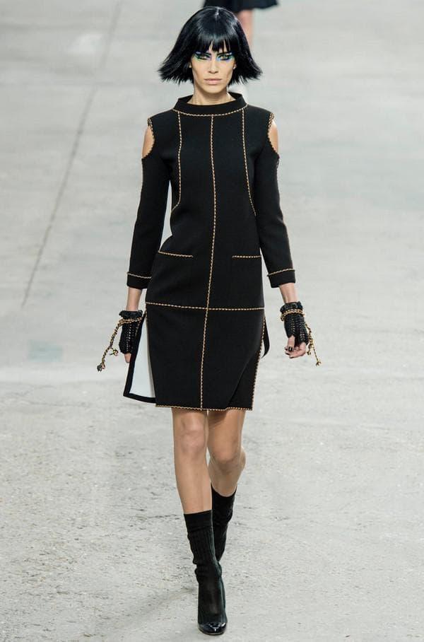 Маленькое черное платье на осень