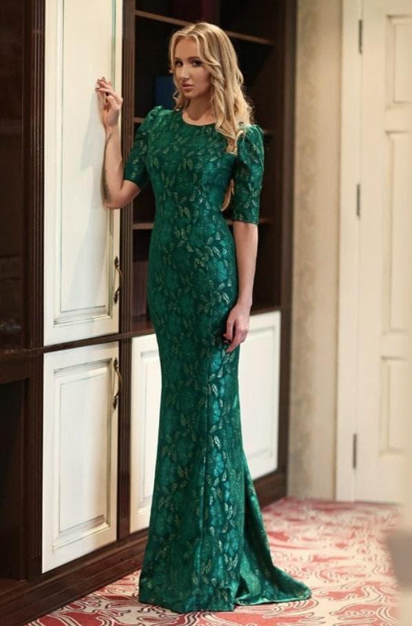 Нарядное зеленое платье в пол