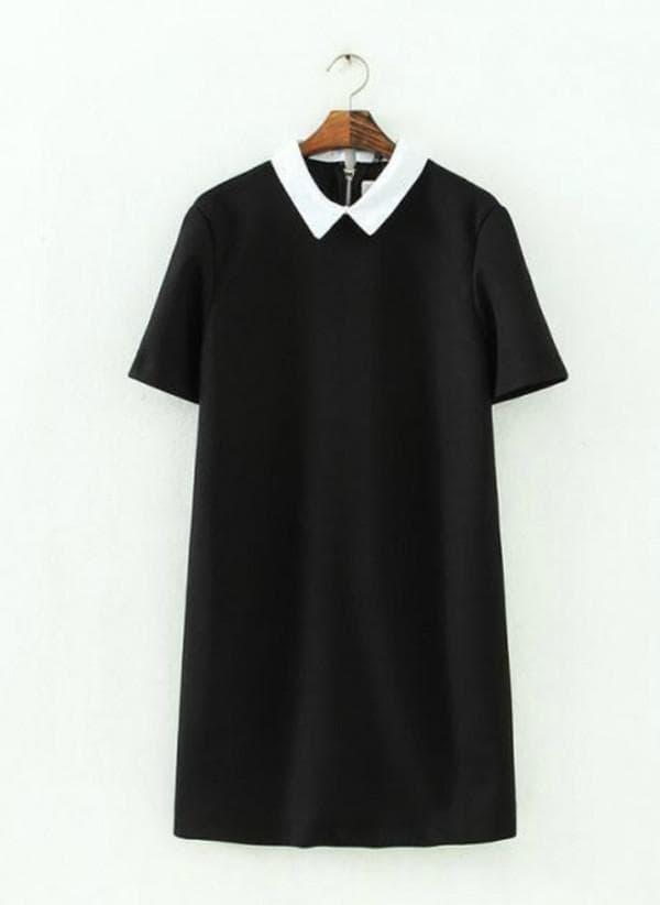 Черное платье мини с белым воротником