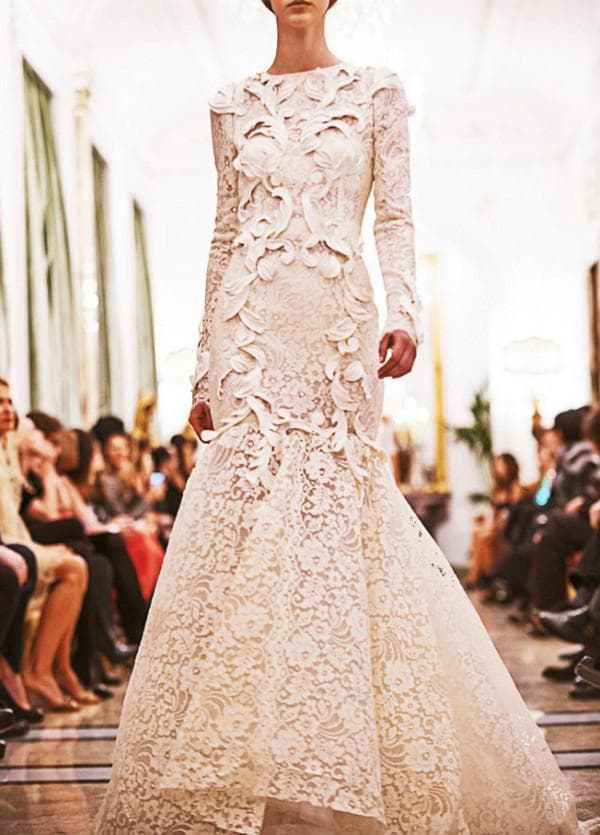 Кружевное свадебное платье в пол