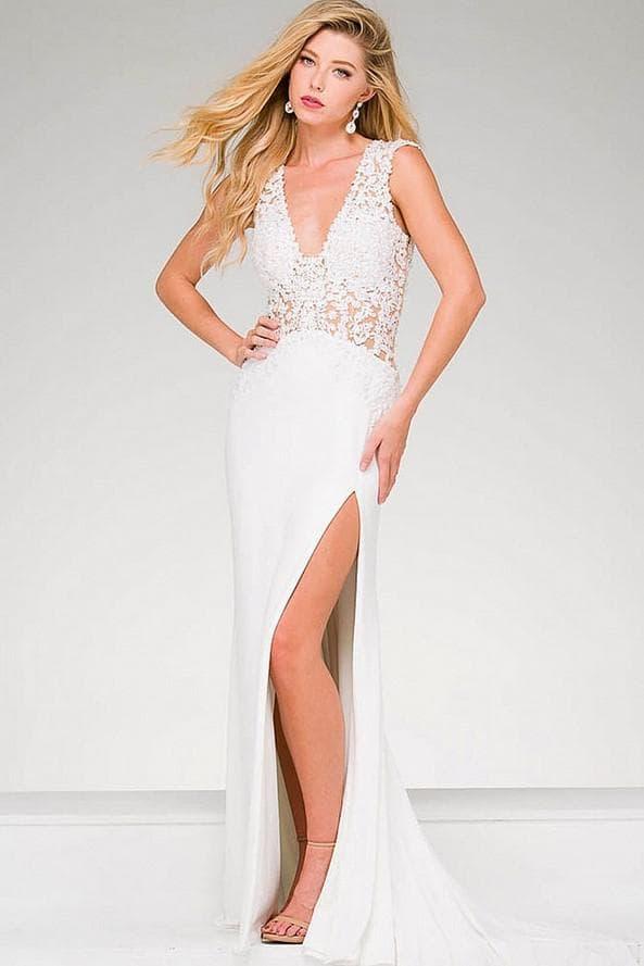 Свадебное платье с разрезом на бедре