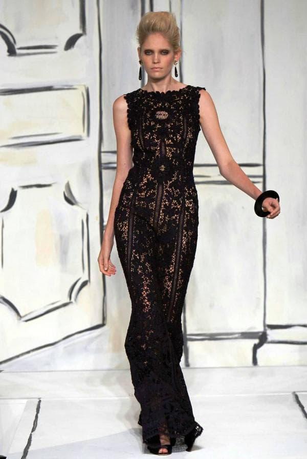 Черное платье из ирландского кружева