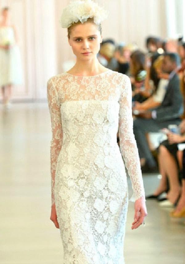 Кружевное подвенечное платье