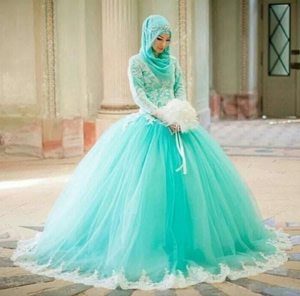 Свадебное платье мусульманки цветное