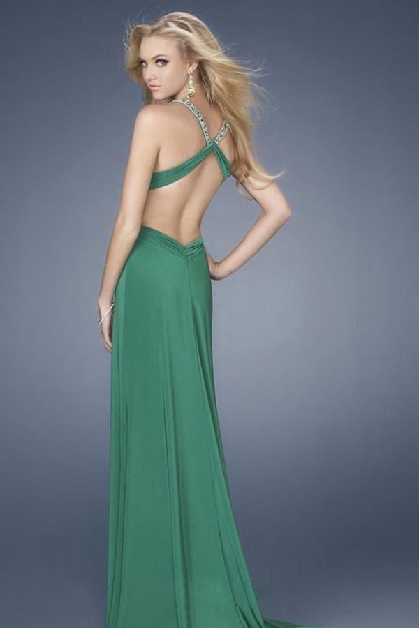 Зеленое платье с вырезом на спинке