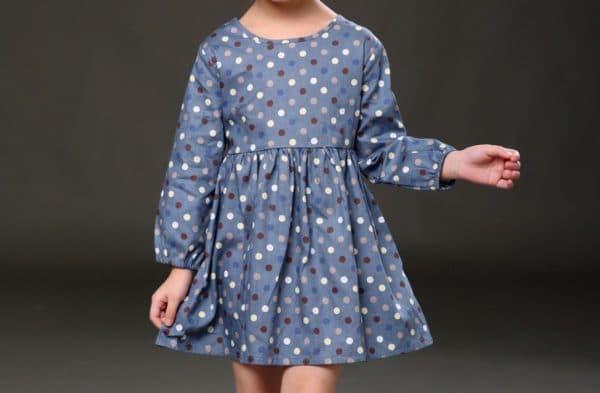 Повседневное платье для девочки в горошек