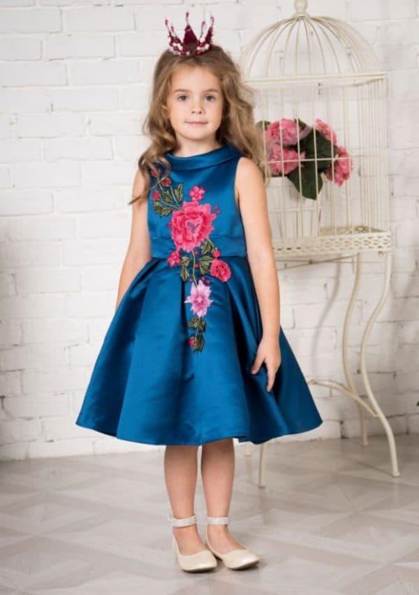 Атласное нарядное платье для девочек