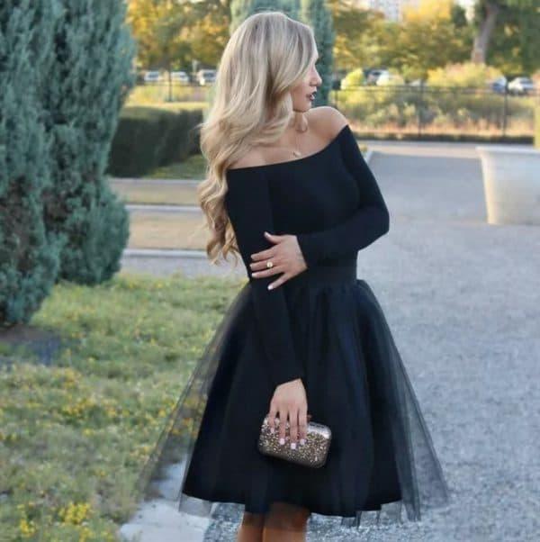 Чёрное платье с юбкой-пачкой