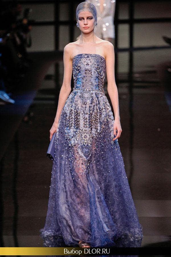 Платье с корсетом украшенное драгоценными камнями