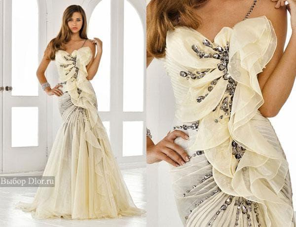 Платье цвета слоновой кости