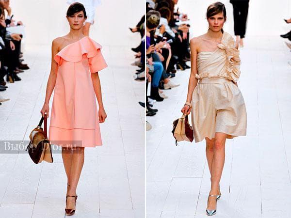 Коктейльные платья персикового и бежевого цвета с рукавом на одно плечо