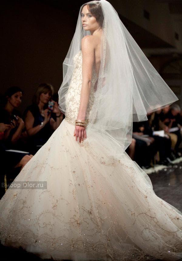 Стильное платье-русалка с ручной вышивкой