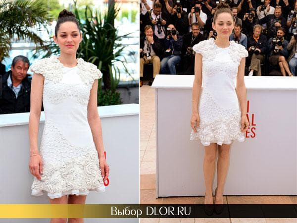 Платье Марион Котийяр с белыми цветами аппликациями