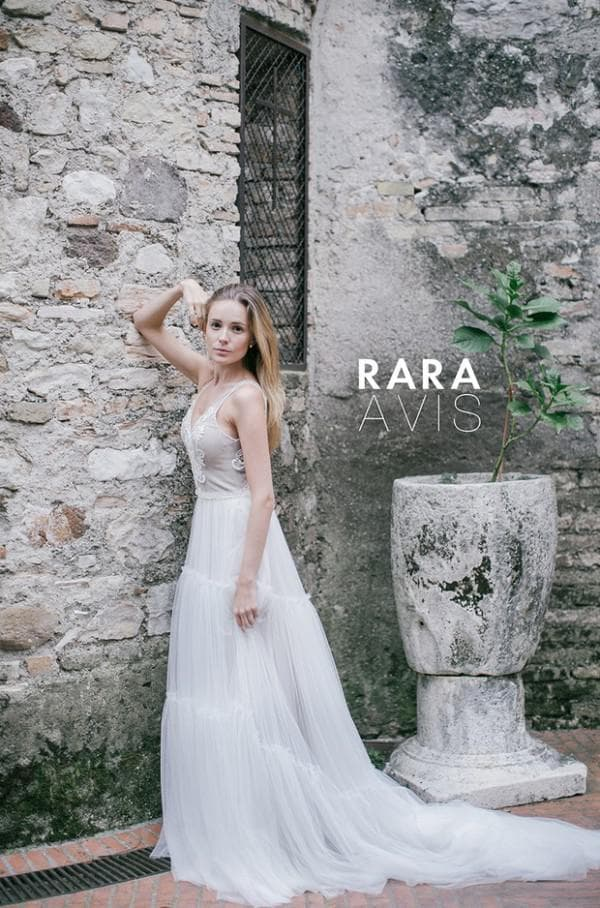 Красивое свадебное платье от Рара Авис