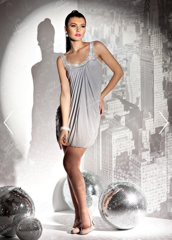 Серое короткое торжественное платье