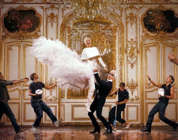 Смешное свадебное платье Карл Лагерфельд