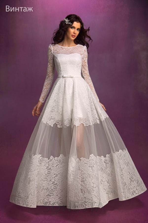 Красивое свадебное платье с накладной юбкой