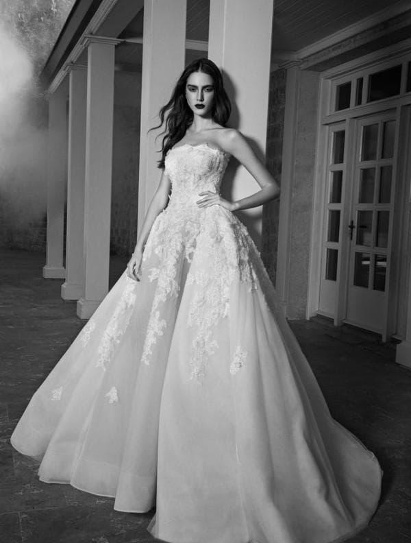 Свадебное платье от кутюр с пышной юбкой
