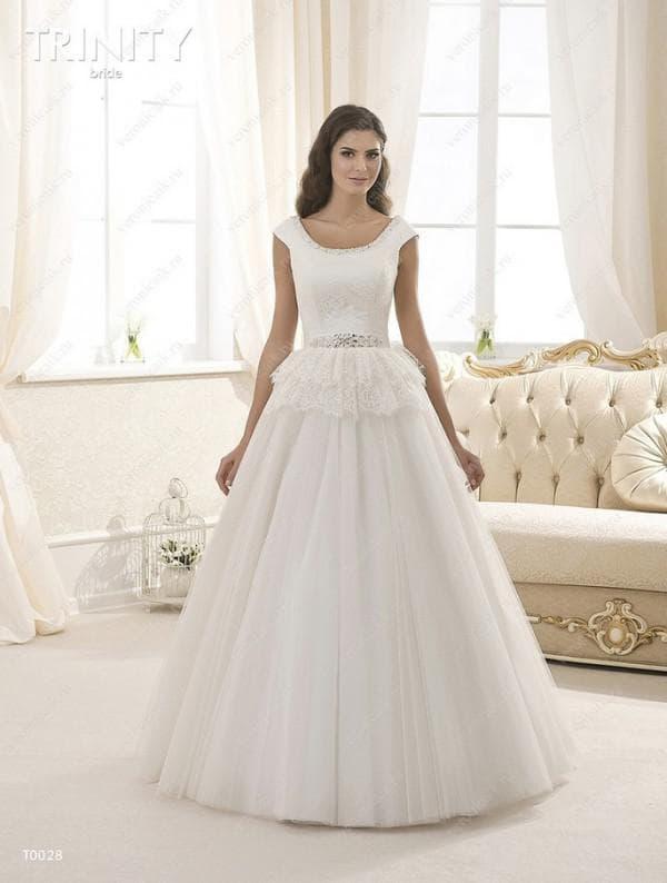 Свадебное платье принцесса с двухслойной баской