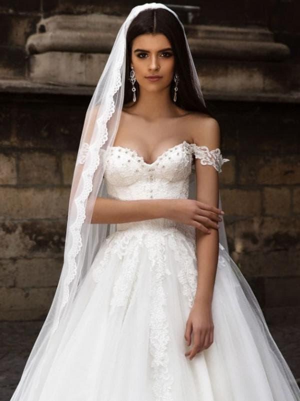 Свадебное платье принцесса с фатой