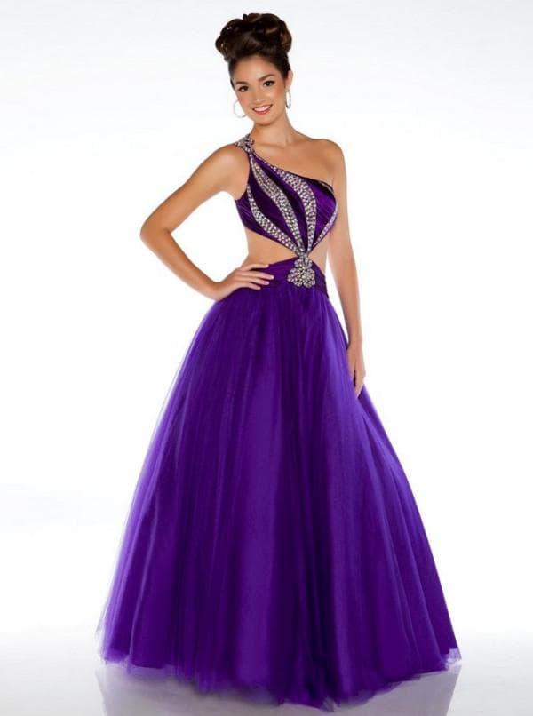 Бальное платье фиолетового цвета