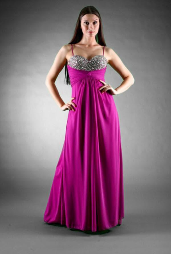 Яркое вечернее платье для женщины в положении