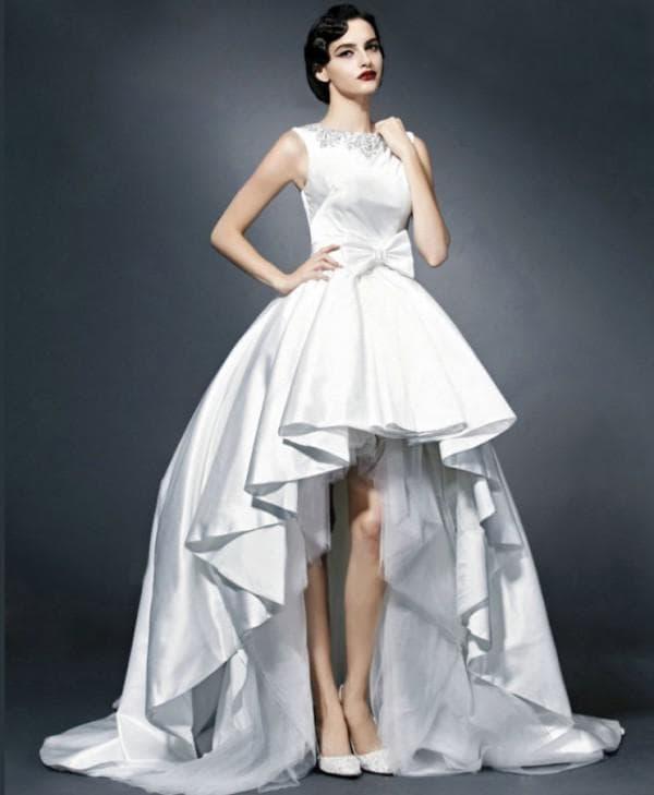 Дизайнерское платье короткео спереди длинное сзади