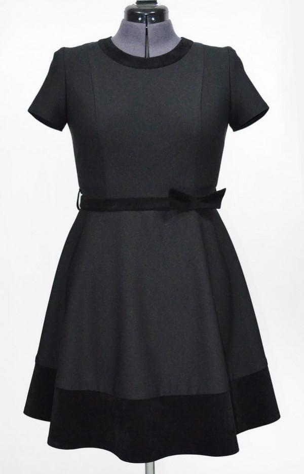 Черное школьное платье с юбкой полусолнце