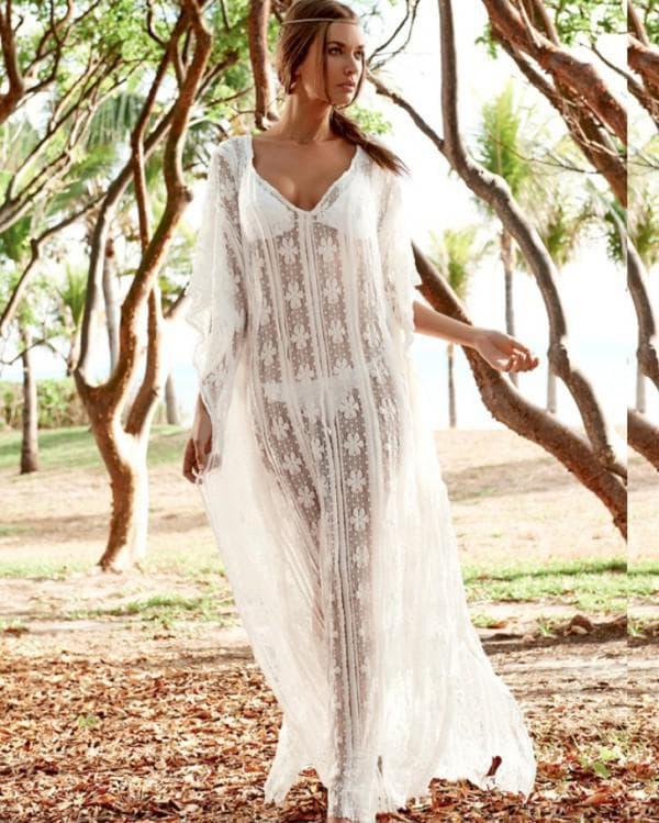Пляжное прозрачное платье белого цвета