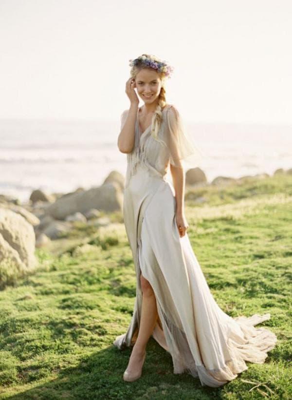 Прямое свадбеное платье в стиле рустик