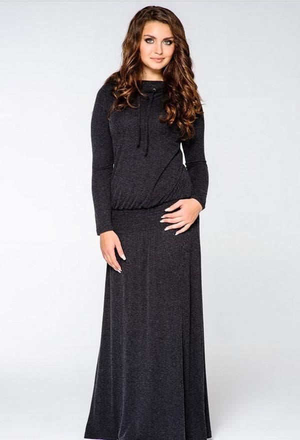 Длинное спортивное платье с капюшоном