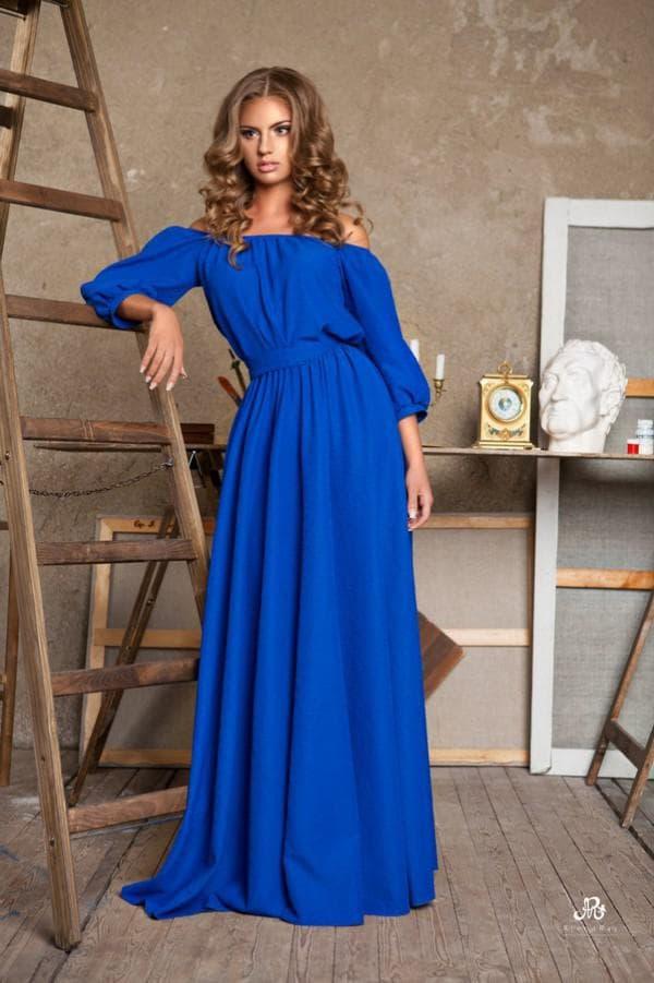 Повседневное платье с длинными рукавами синего цвета