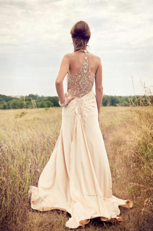Спинка винтажного свадебного платья