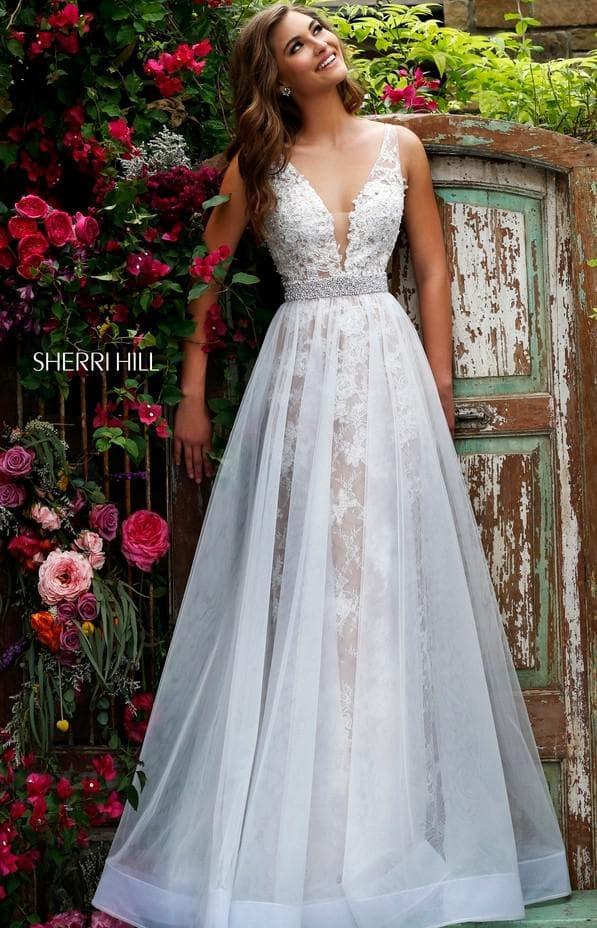 Свадебное платье с V вырезом
