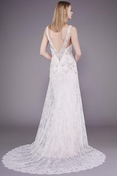 Свадебное кружевное платье со шлейфом