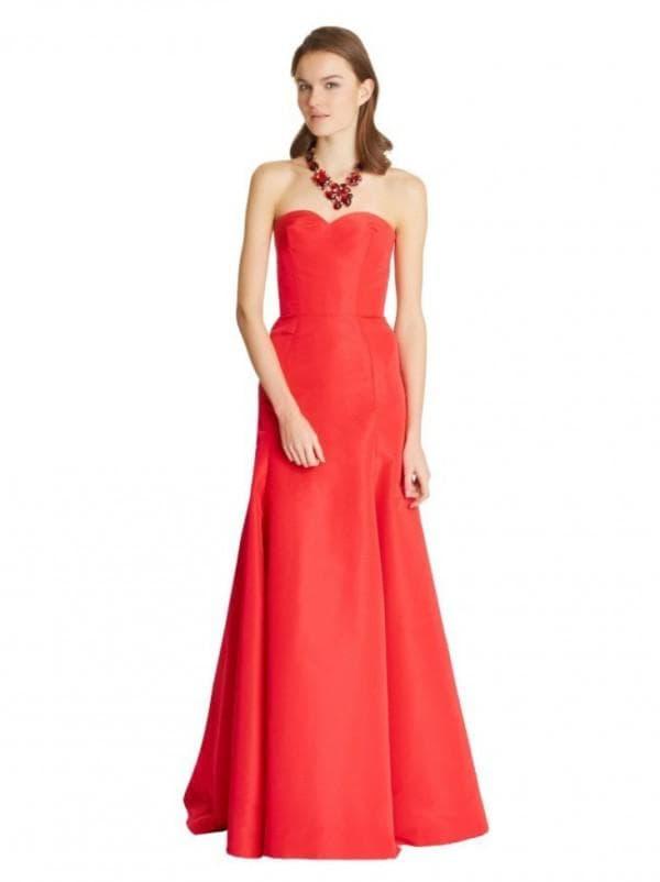 Длинное красное платье бюстье