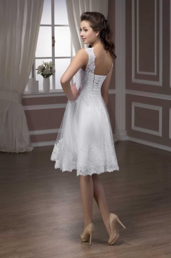 Нежное кружевное платье невесты мини
