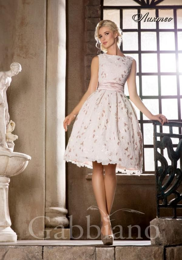Короткое свадебное платье Габбиано