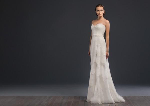 Кружевное свадебное платье бюстье