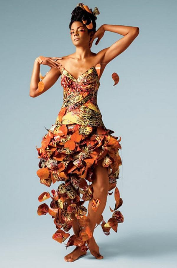 Платье из цветной бумаги