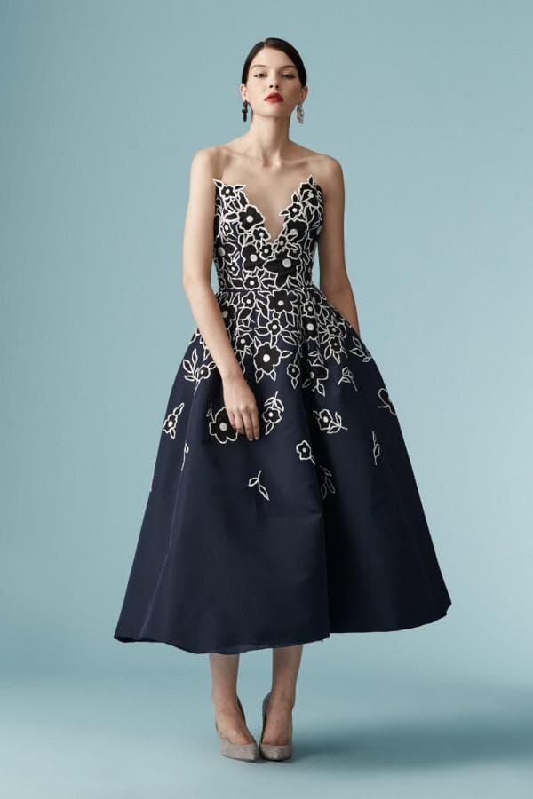 Синее платье миди длины нарядное