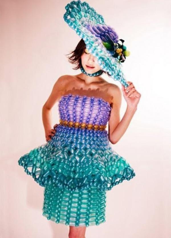 Короткое платье из шариков