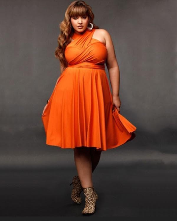 Оранжевое коктейльное платье для полных