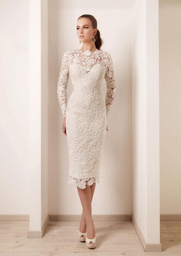 Свадебное кружевное платье для женщины после 40