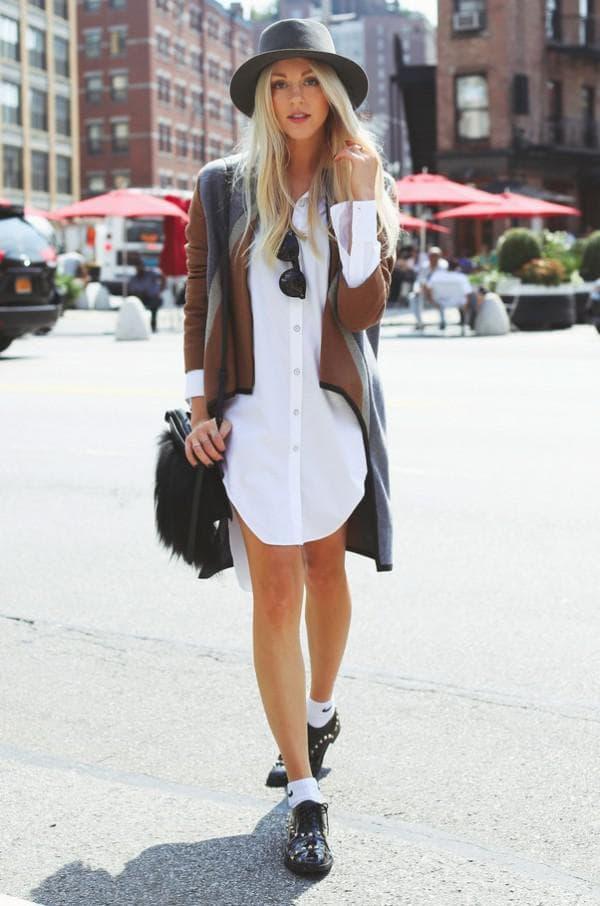 Повседневный образ с шляпой и платьем рубашкой