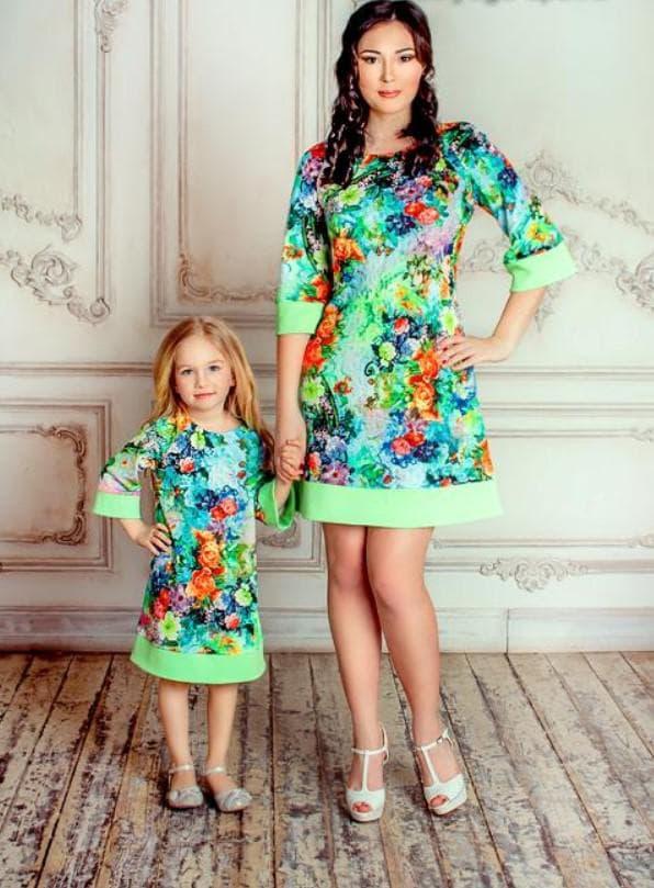 Летние одинаковые платья для мам и дочерей
