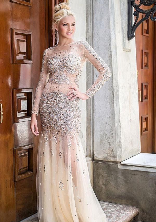 Длинное платье со стразами